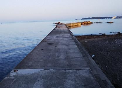 湊浦(磯間)漁港 への字堤防
